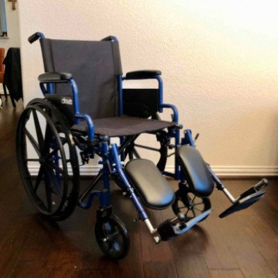 wheelchair with optional elevated leg rests-5