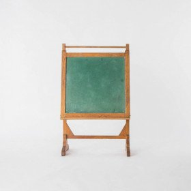 Green Chalkboard on Stand, med