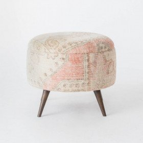 Pinky Ottomans, med