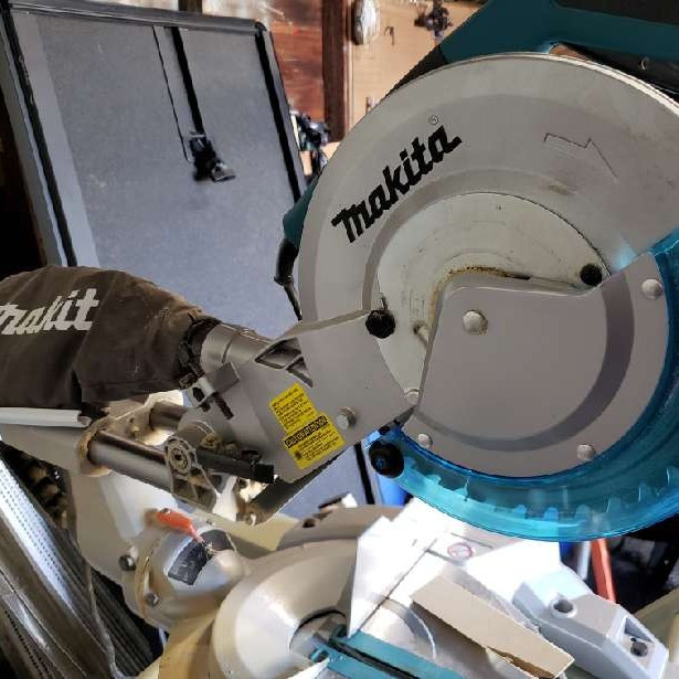 compound mitre saw-1