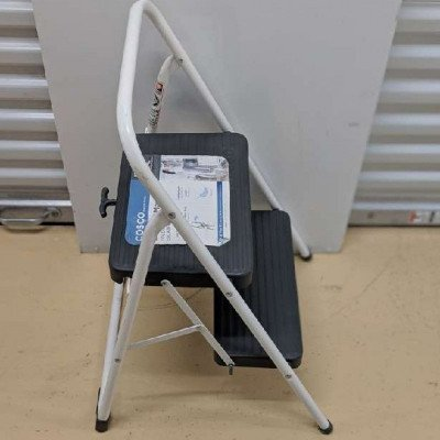 2-step Folding step stool picture 2