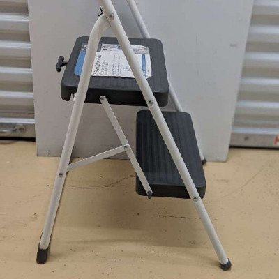 2-step Folding step stool picture 3