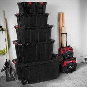 latch and stack tote with wheels