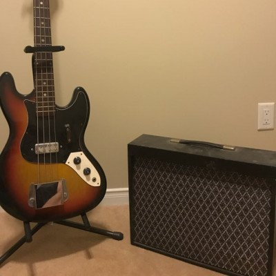 marlin electric bass guitar and tube amp-2