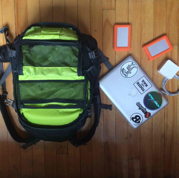 Photography backpack- dakine sequence 33l
