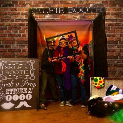 Selfie Booth Photo Backdrop- S With Props picture 1
