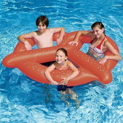 giant inflatable pretzel float toy picture 2