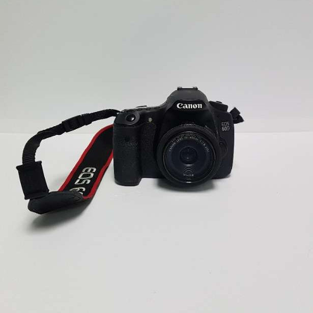 canon eos 60d dslr - camera