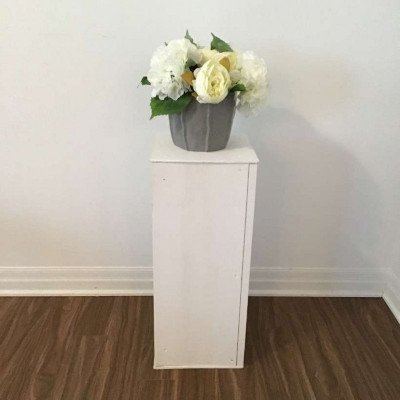 white pedestal - small