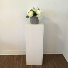 White pedestal - large