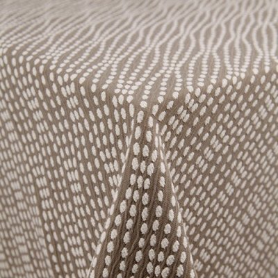 """Strand Sterling 101""""x156"""" Tablecloth picture 2"""