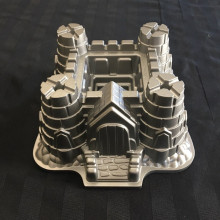 cake pan - medieval castle