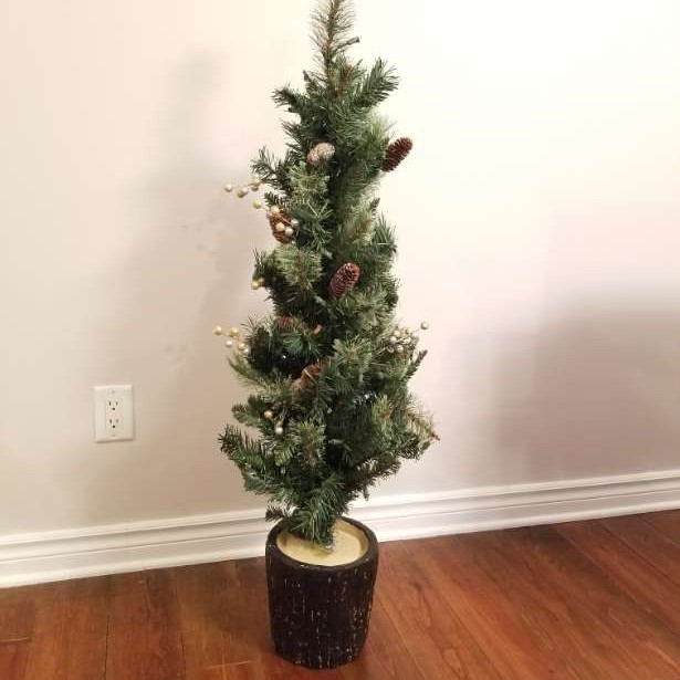 4 ft synthetic pre-lit Christmas tree
