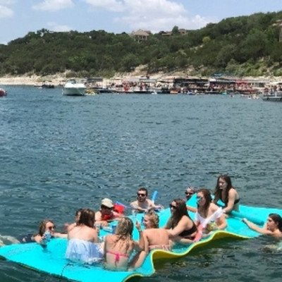 pontoon boat- lake travis - up to 14 persons mon - thu-4