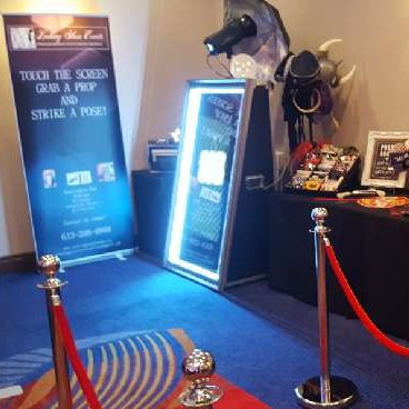 Magic mirror photo booth - 4 hour package