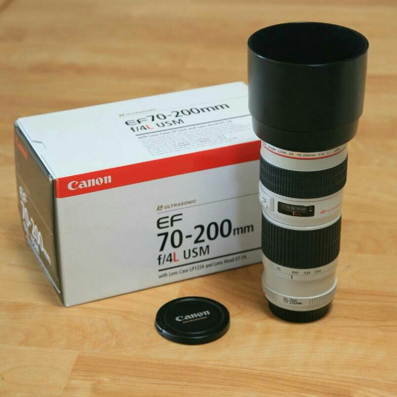 Canon 70-200mm telephoto zoom lens