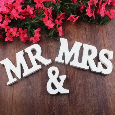 white wooden letters wedding decoration-1