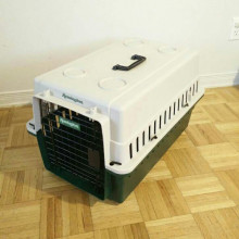 Medium carrier cage kennel crate