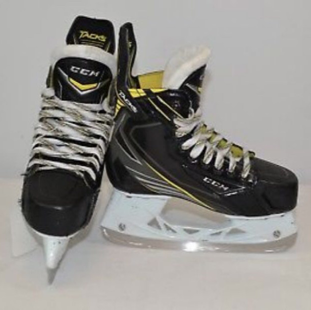 Senior hockey skates- ccm tacks 5092
