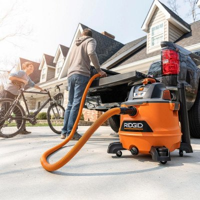 wet dry vac with auto detail kit picture 1