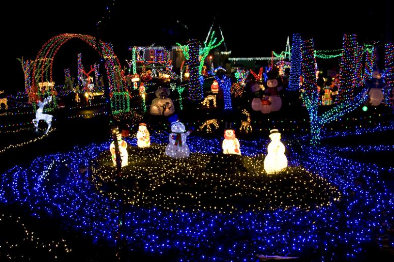 wisconsin christmas carnival of lights has become a holiday must