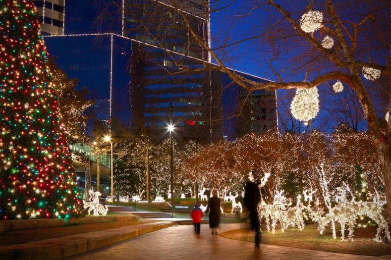 over 500000 lights brighten up downtown milwaukee with holiday cheer