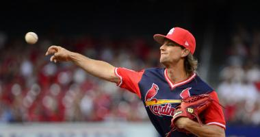 Cardinals trade Mike Leake to Mariners