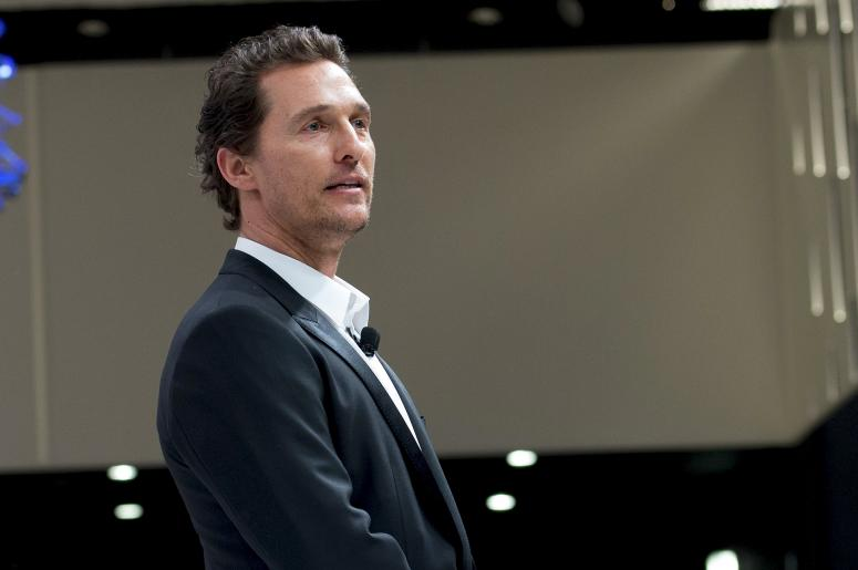 Matthew Mcconaughey Doesn T Care If You Hate His Lincoln Car