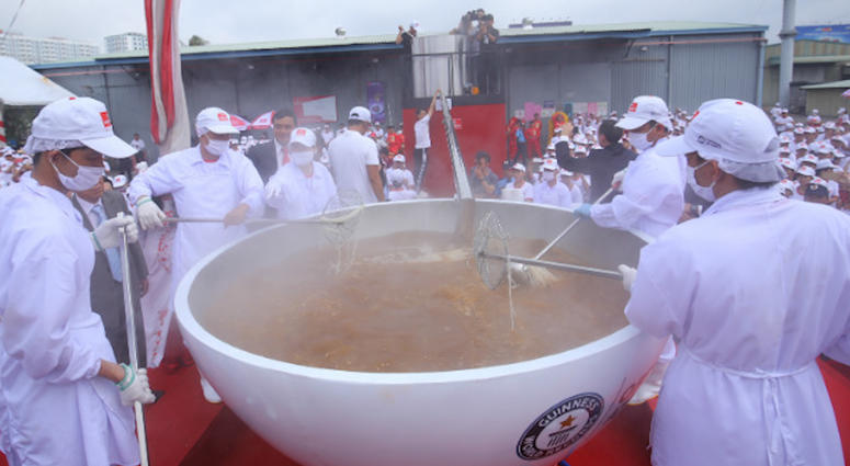 Guinness World Records: World's Largest Bowl of Noodles