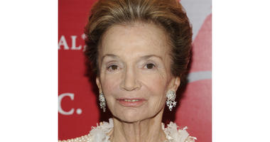Lee Radziwill, Stylish Sister Of Jackie Kennedy, Dies at 85