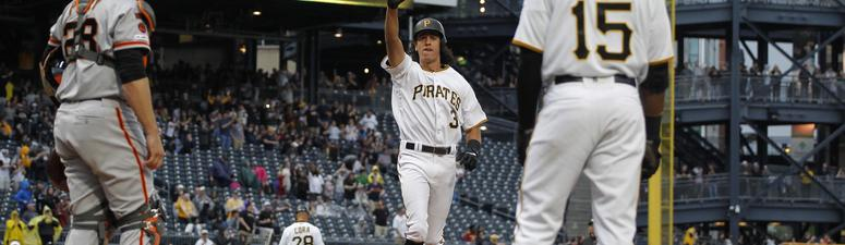 Tucker's Home Run Lifts Pirates Over Giants 3-1