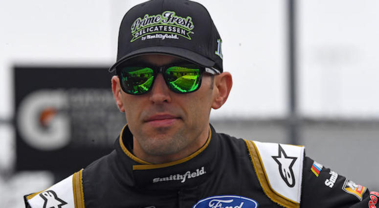 Stewart Haas Racing's Aric Almirola During Qualifying For The Folds Of Honor Quik Trip 500 At Atlanta Motor Speedway