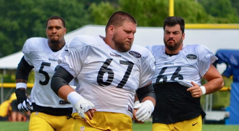 Steelers OL BJ Finney runs during 2018 training camp