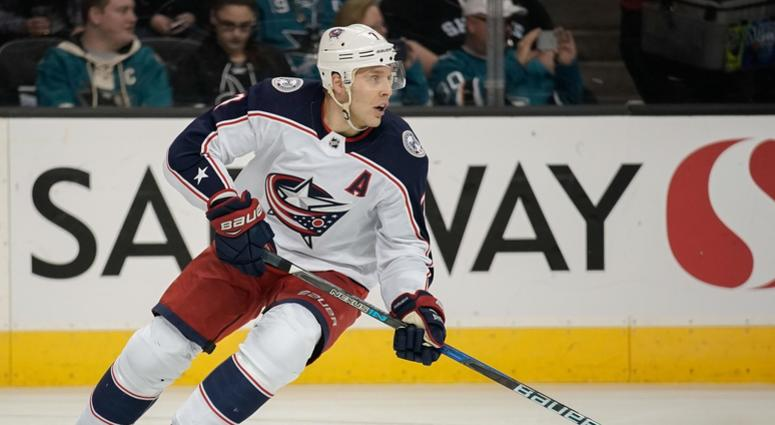 Jack Johnson signs with the Pittsburgh Penguins.