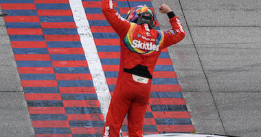 Kyle Busch Wins At Chicagoland Speedway