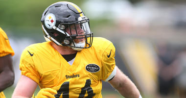 Pittsburgh Steelers linebacker Tyler Matakevich (44) participates in drills during minicamp at UPMC Rooney Sports Complex.