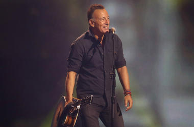 Bruce Springsteen performs during the closing ceremony of the Invictus Games 2017