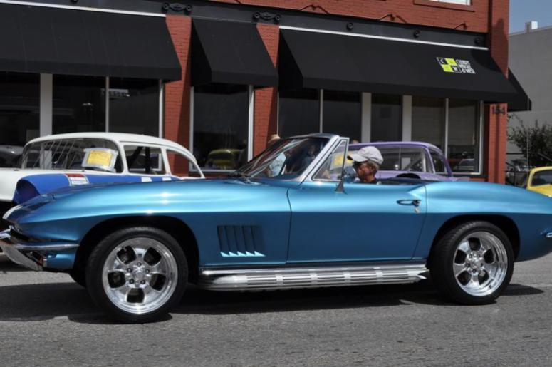 MIDWAY USA CHAPTER OF NCRS PRESENTS ALL CORVETTE CAR SHOW KEYN - Car show usa