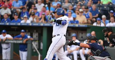 Royals hold off Twins 4-2