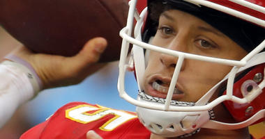 Undefeated Chiefs, Mahomes await major test in New England