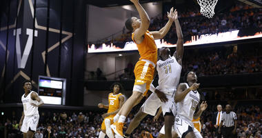 Top-ranked Tennessee rallies, beats Vanderbilt 88-83 in OT