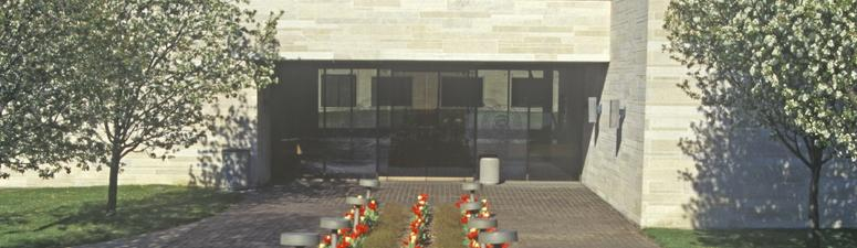 Bush burial in Texas stokes interest in presidential libraries