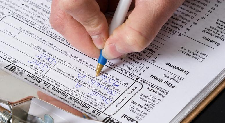 Some People Actually Like Doing Their Taxes Poll Reveals 981 Kmbz Fm