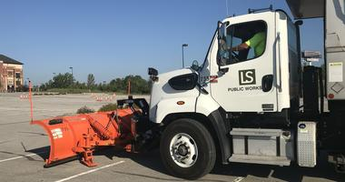 KC Metro snow plow drivers test and hone skills ahead of winter
