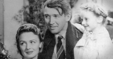 """Zuzu"" from 'It's a Wonderful Life' to light the Lee's Summit Xmas tree"