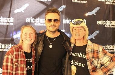 Scammed Minneapolis Mom and Daughter Duo Meet Eric Church