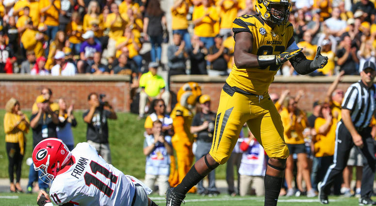 Missouri Tigers defensive lineman Tre Williams