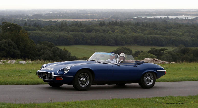 Jaguar To Make Electric Version Of 1960s Sports Car