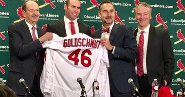 Goldschmidt Proves to be Ultimate Team Player for Cardinals
