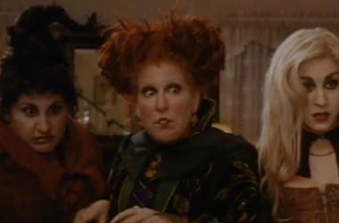 ""\""""Hocus Pocus"""" is one of the many Halloween classics you can watch for nearly free this coming Halloween. Vpc Halloween Specials Desk Thumb""380|250|?|en|2|818c9fed73c423cf4122948155a66e2d|False|UNLIKELY|0.3260354995727539